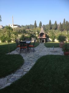Garden with eating area & BBQ