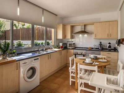 Photo for Beautiful ground floor with garden and private garage, for 4 people