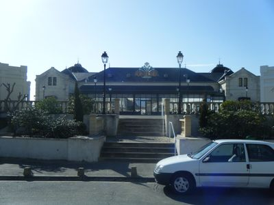 Photo for T1 sleeping 4 people private car park opposite the beach in Chatelaillon