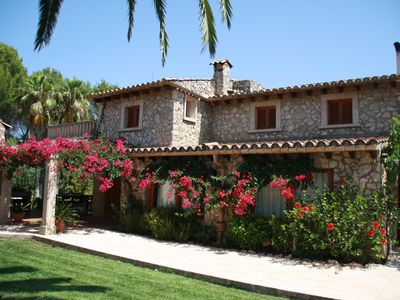 Photo for Beautiful quiet villa with pool, large terraces and a large garden.