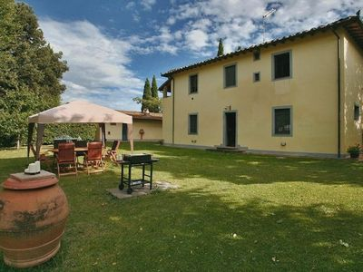 Photo for Private Villa in Tuscany for 12 People with Pool, Garden, in Nature