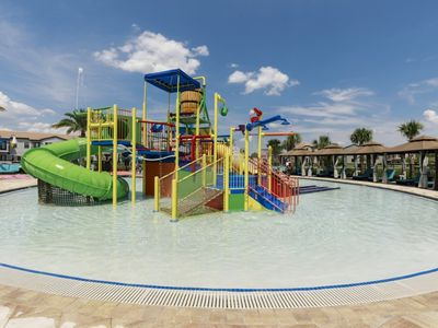 Photo for 4 Bedroom-Pool- Resort w/Waterpark-Spring Discounts up to 30%