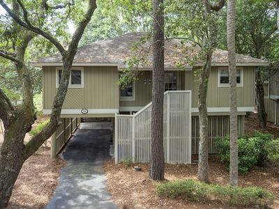 Comfortable 3BR/2BA Cottage with Sunroom! Close to Beach and Golf! Pet Friendly!