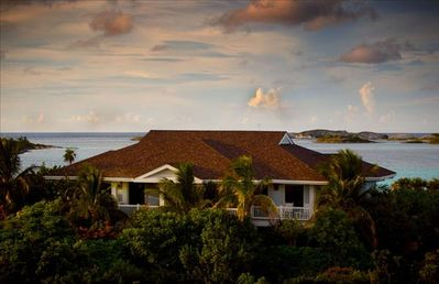Photo for Fowl Cay - Bluemoon - luxury 3 bedrooms serviced villa - Travel Keys