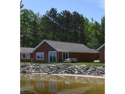 Photo for Beautiful lakeside 2 Bedroom resort cabin on private lake (Cabin#4)