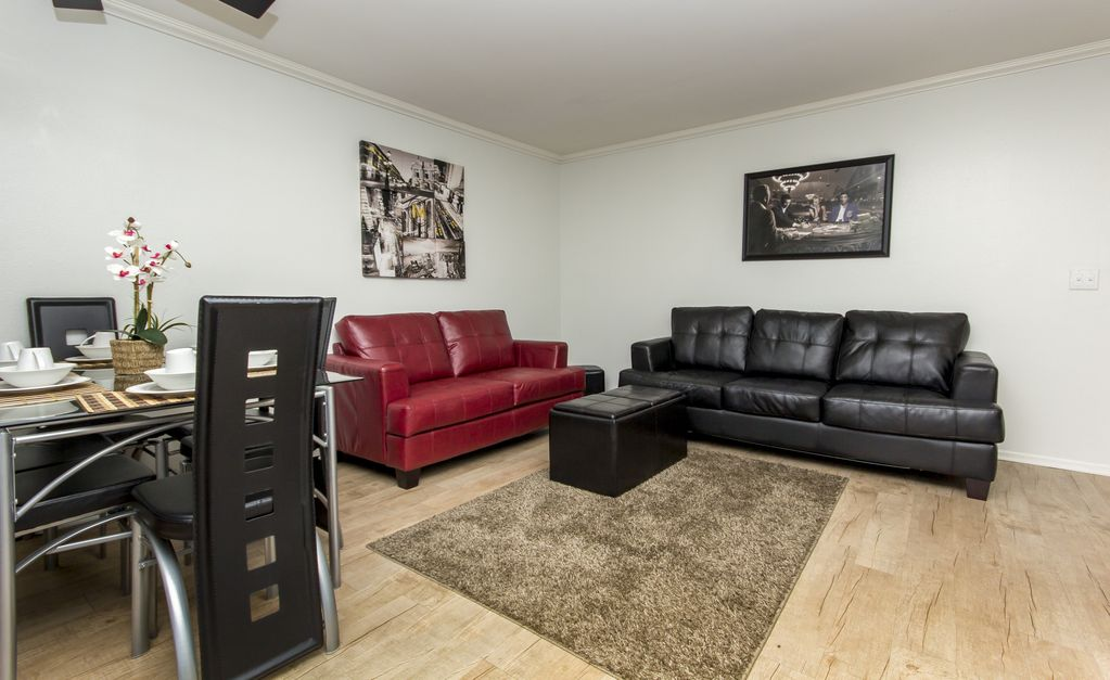 Standard 2 Bedroom Fully Furnished Apartments Near Wilcox Ave W FREE PARKING