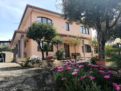 Photo for beach 1,5 km / elegant villa, coast Cagliari / Villasimius (free WIFI) -IUN P1039-