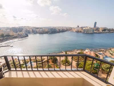 Photo for Sliema Sea Front - Sunny Side