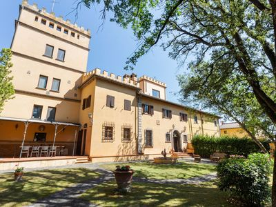 Photo for Spacious Villa in Empoli with Swimming Pool
