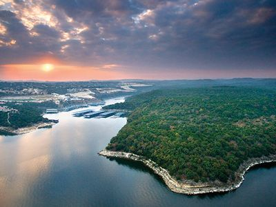 Photo for Luxury Vacation Villa on Lake Travis- The Hollows