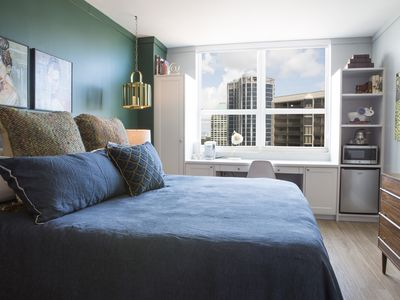 Adorable 12th Floor Standard Private Unit-Parking Included
