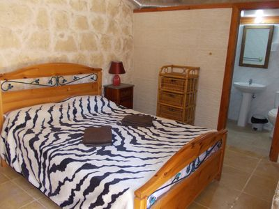 Photo for b & b double bedroom with private entrance in villa with pool