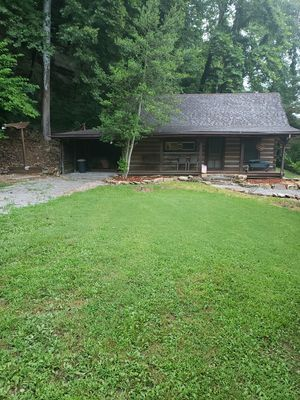 Daybreak Cabin located in Derby Indiana