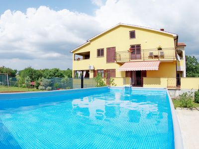 Photo for Spacious apartment in peaceful village Bulići