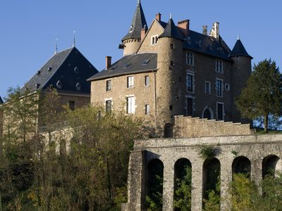 Photo for 4/6 pers. home with terrace, fantastic historical mountain Castle. ski golf, SPA