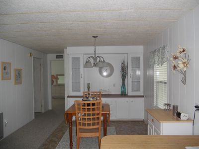 Comfortable Getaway, Close to shops,beach,restaurants. Perfectly located.