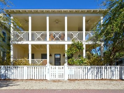 Photo for Beautiful 4 BR Across From West Side Pool