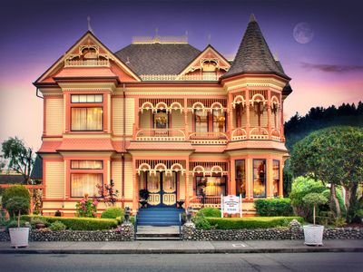 Photo for Boutique Hotel, Romantic bed and breakfast in Victorian town of Ferndale, CA