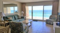 Cozy with stunning views and convenient to all your Destin favs