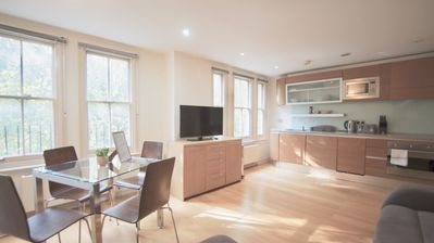 Photo for Bright 1 bedroom flat in Kensington