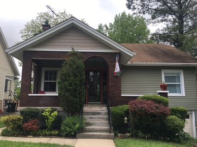 Photo for Charming 3-BR / 2BA home in Derby City!  Close to everything Louisville offers!