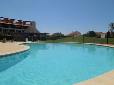 Photo for Apartment 3P access swimming pool 2mn beaches Parking