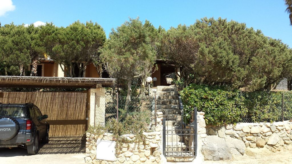 Buy a fishing lodge in Villasimius