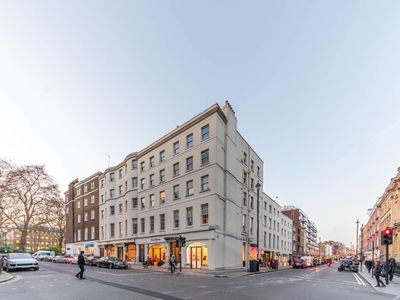 Photo for Cosy West End flat min from Selfridges & Oxford st