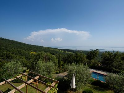 Photo for Breathtaking lake Trasimeno view villa 10 people