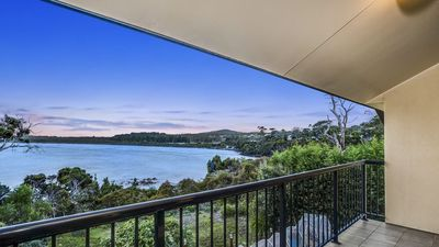 Photo for Greens Beach House Direct Access - Family Friendly, Netflix, Apple TV, Wi Fi