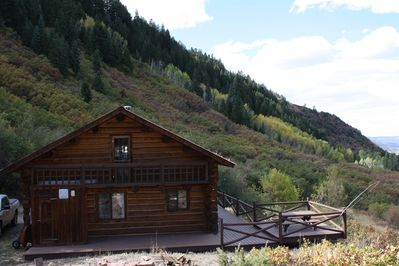 Breath taking views & quality built log home when you stay at Bear Claw Cabin