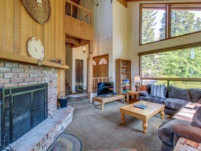 Photo for Lodge-style home w/ lake views & gourmet kitchen, close to beaches and skiing