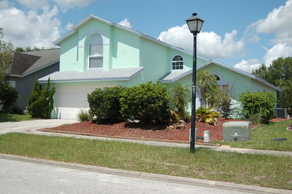4 Bedroom 21/2 Bathroom Pool Home Orlando Florida  Free WiFi - Lindfields