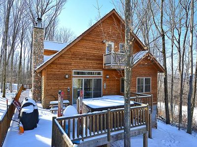 Slopeside on New Timberline Mountain! Pet Friendly! Hot Tub! Fire pit! Game Room! Sleeps 13
