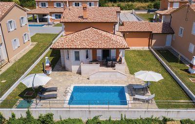 Photo for 4BR House Vacation Rental in Pula