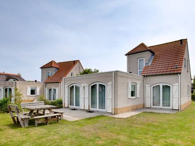 Photo for Vacation home Ferienpark Citta Romana (HLL101) in Hellevoetsluis - 4 persons, 3 bedrooms