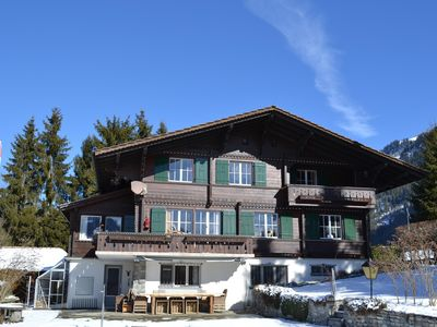 Chalet Mamis (9 p.) ***** Zweisimmen, large garden, pool, nice view on mountains