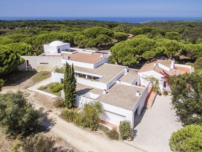Photo for Villa with swimming pool, in Sesimbra (Meco) just 2 km away from the beach.