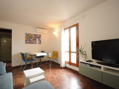 Photo for Lovely flat few steps away from Florence Cathedral