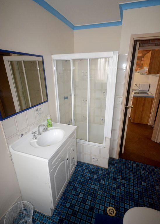 Del Costa Unit 6 - Cozy 2 Bedroom unit with swimming pool and tennis court