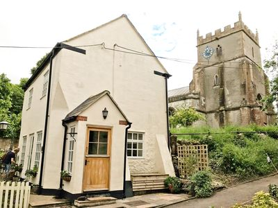 Photo for Romantic & secluded cottage. Beautiful walks, countryside & fab pub on doorstep