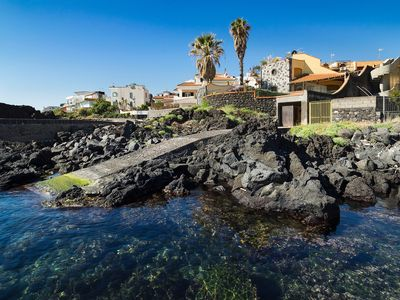 Photo for Waterfront house with big terrace, direct access to the sea & internet