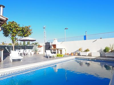 Photo for Renovated semi-detached house, for 6 persons, with private swimmingpool!  Ground floor h