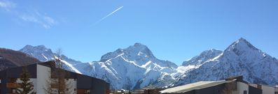 Photo for Les 2 alpes - Apartment 52m² - Center station - At the foot of the slopes - Nice view
