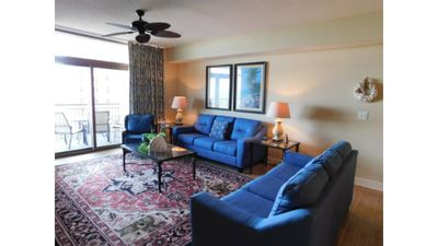· Spectacular 3 BR OF Magnolia Condo- Gorgeous Views, Full Kitchen, W&D!