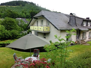 Modern apartment with balcony and use of garden near Willingen