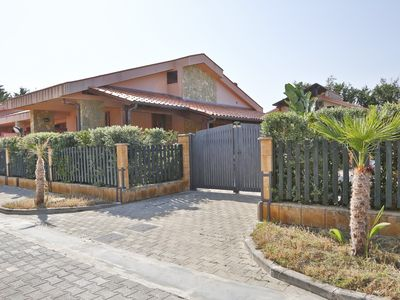 Photo for WELL-LIT MEDITERRANEAN VILLA WITH VERANDA AND GARDEN ONLY 50 METERS FROM THE SEA