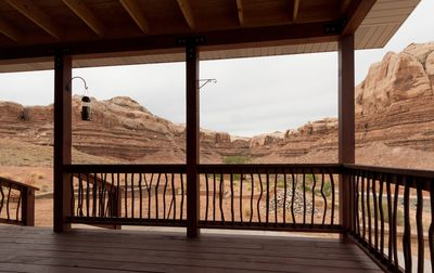 Photo for Spacious, comfortable home with stunning views of red rock cliffs.