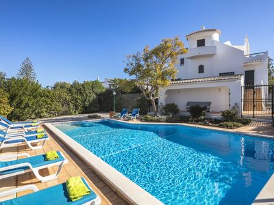 Photo for Spacious Carvoeiro villa, ideal for 2 families sharing, Air conditioning & WI FI