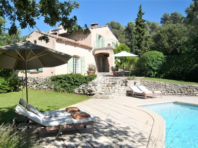 Photo for Beautiful old house with large pool at 5 km center Aix en Provence